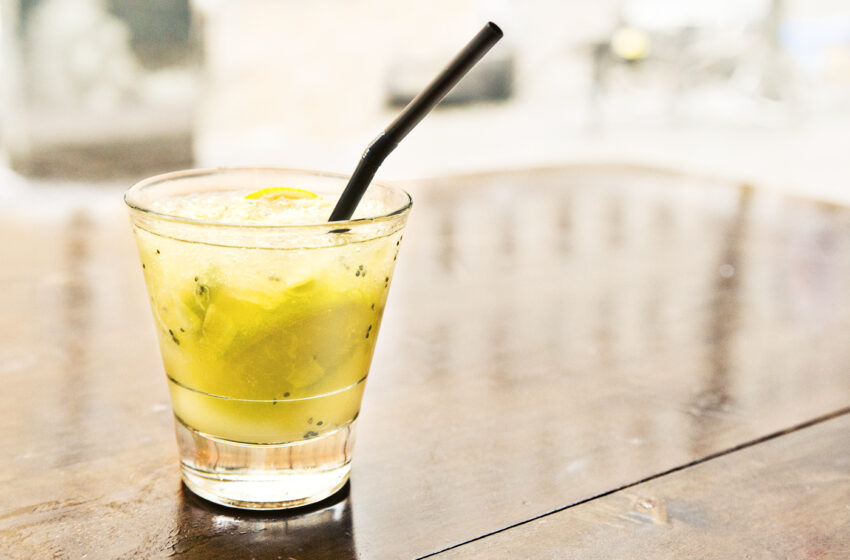 Brasilialainen caipirinha on raikkaanmakea cocktail – katso video