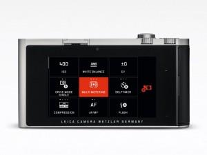Uusi näppäimistä vapaa käyttöliittymä jatkaa valmistajan minimalistista tyyliä uudella ajalla (Kuva: Leica Camera AG)
