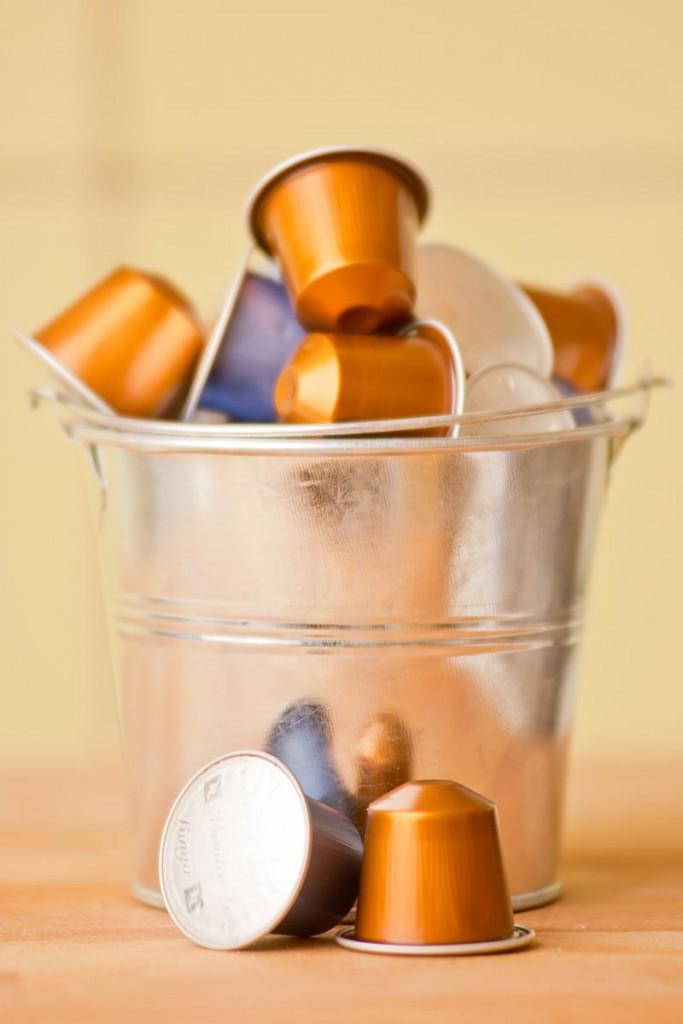 Nespresso-kapselit on valmistettu alumiinista ja ne voidaan kierrättää pienmetallinpisteessä.