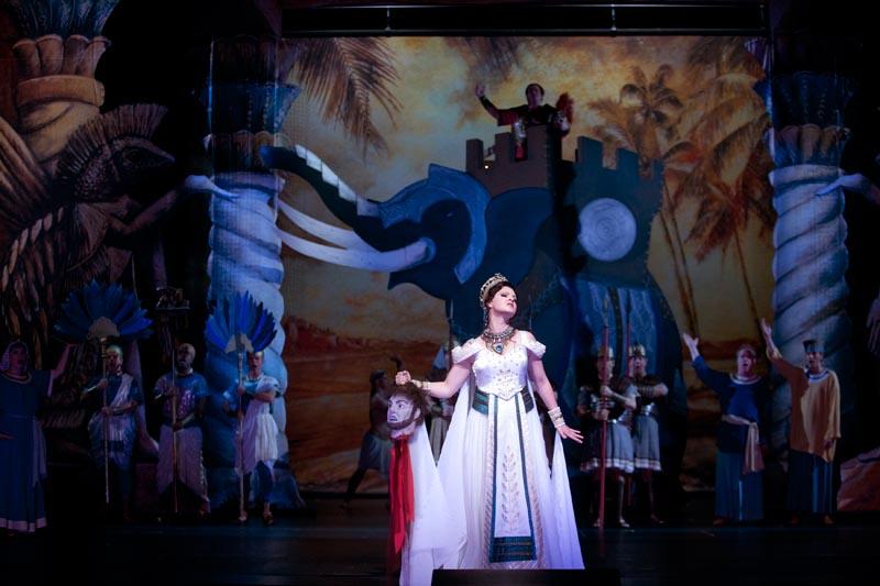 Hannibal on yksi oopperapastisseista. Kuvassa Kaisa Ranta. Kuva: Stefan Bremer