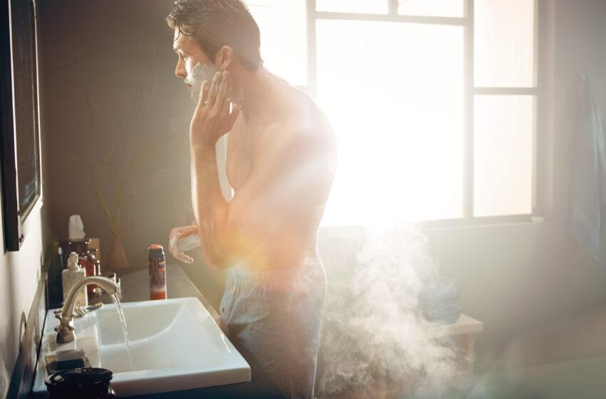 Moni ärsyttää partahöylällä ihoaan huomaamattaan ja turhaan