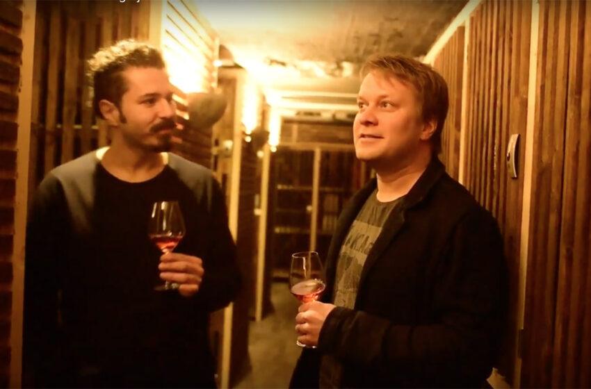 Katso video: Vierailu viinikellarissa