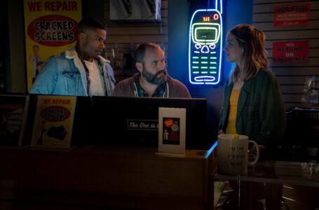 Jordan Calloway, Tom Segura, and Elizabeth Lail star in COUNTDOWN